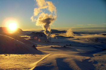 Snow-and-Steem-in-Iceland.jpg